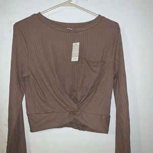 Causal light brown/tan crop top